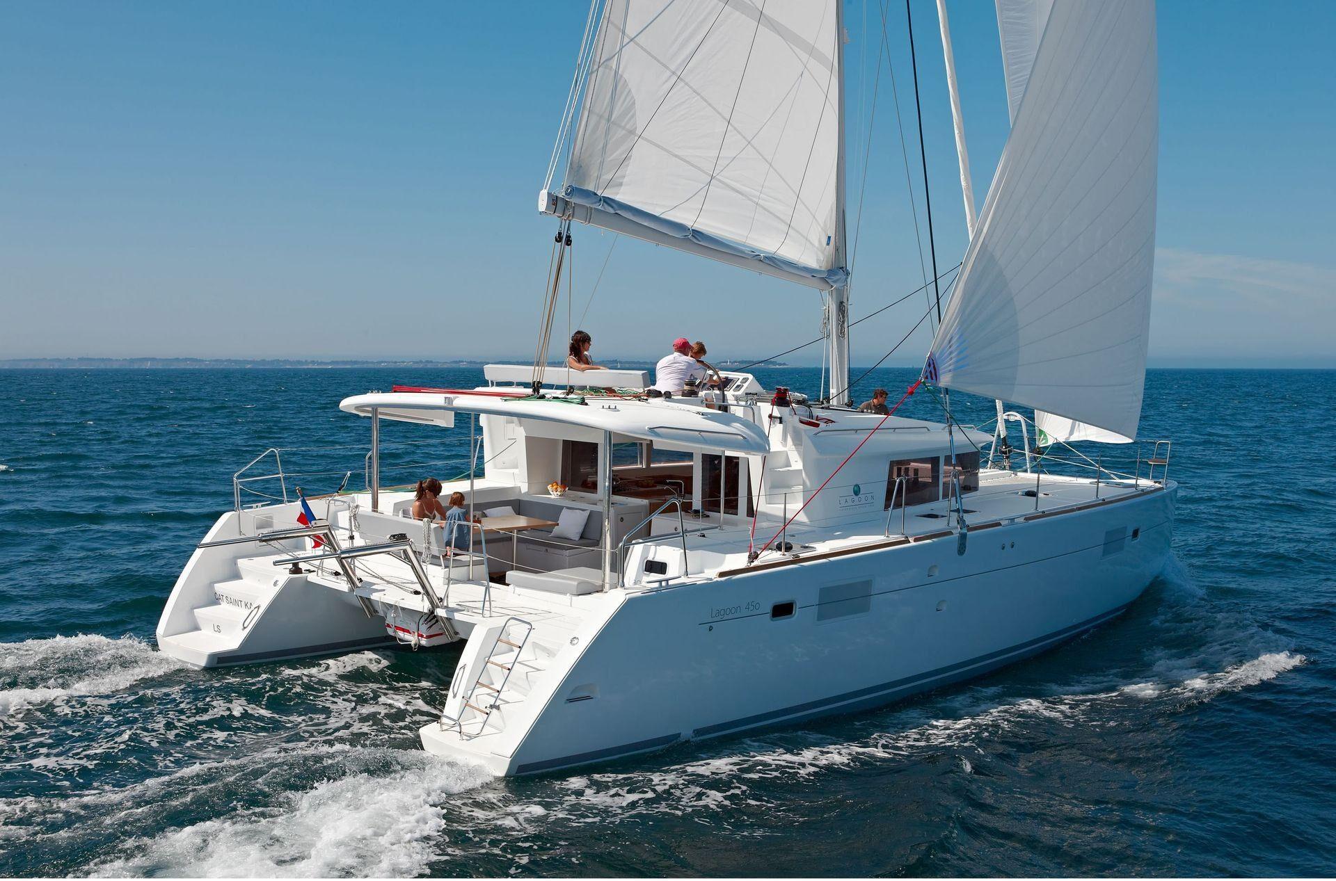 Greek island cruises from Athens with Spiridakos Sailing